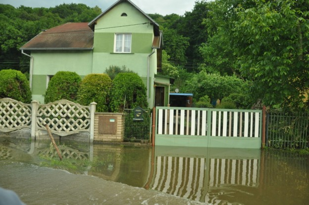 Zaplavené domy v Ústeckém kraji. Foto: Rostislav Pijáček
